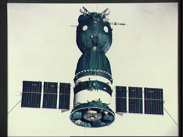 OrbitalHub » Soyuz 4/5 Made History 40 Years Ago Today